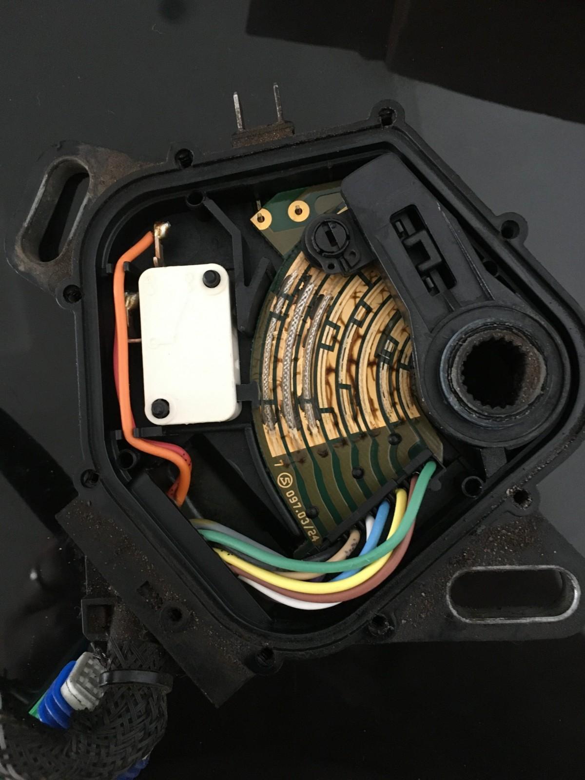 AL4---Chave-seletora-aberta-2.jpg